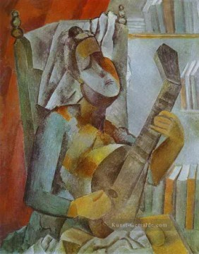 dogs playing poker Ölbilder verkaufen - Woman Playing the Mandoline 1909 Pablo Picasso