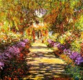 Pathway in Monet s Garden at Giverny Claude Monet impressionistische Blumen