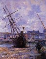 Boats Lying at Low Tide at Facamp Claude Monet