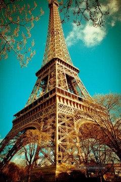 Paris Werke - eiffel tower retro by kath