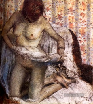 Nacktheit und Balletttänzerin Gemälde - After The Bath 1884 Nacktheit Ballettdancer Edgar Degas