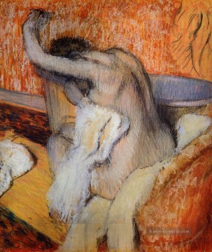Nacktheit und Balletttänzerin Gemälde - After the Bath Woman Drying Herself Nacktheit Ballett Tänzerin Edgar Degas
